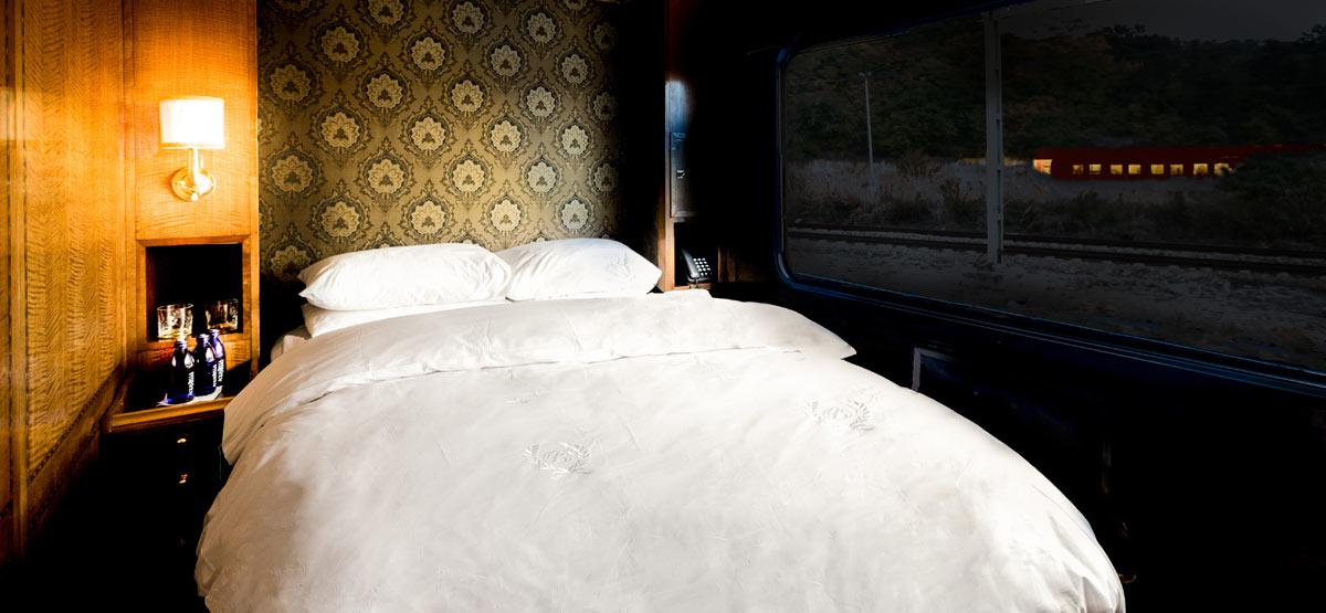 The Blue Train Luxury suite bed