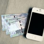 Smartphone iPhone money payments
